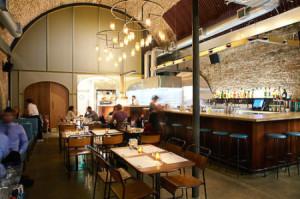 HO-3-6-F1003-Arabica-Bar-Kitchen-4