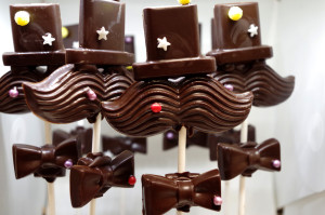 Father's Day dark chocolate top hat, moustache and bow tie (2)