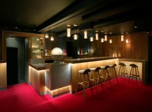 Old Tom Bar