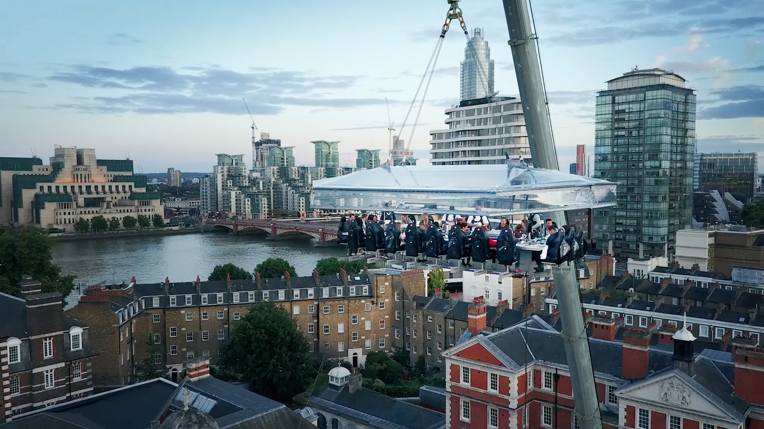 Tickets on sale now: London\'s sky high dining experience returns ...